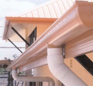 Welche halbrund dachrinne ist besser: kupfer oder aluminium?