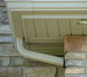 How to clean vinyl rain gutter better