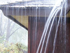 La necesidad de canaletas para la lluvia