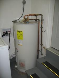 Aprenda a mudar o tanque de água quente a partir do gás natural para o propano
