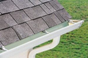 Basic maintenance of a seamless gutter