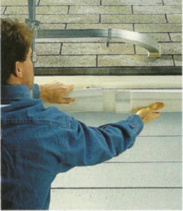 What is the correct distance between supports on a vinyl rain gutter?