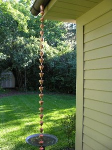 Learn to assemble rain chains with the gutters