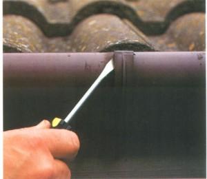 Instruções para calhas re-alinhamento da chuva