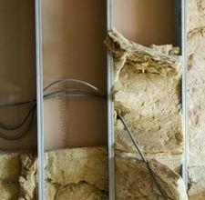 Ses yalıtımı için duvar maliyetini tahmin öğrenin