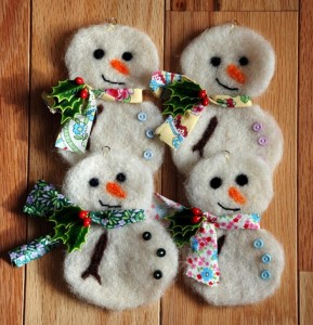 Learn to produce felt Christmas ornaments