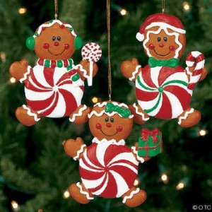Learn to make gingerbread Christmas ornaments