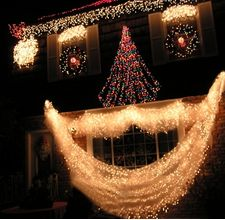 Ideas to decorate outdoor windows for Christmas