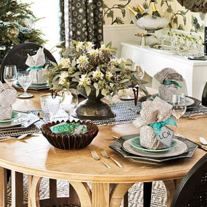 Color the Christmas table in sage green