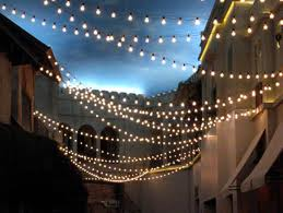 Decorate the porch with string lightning