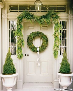 How to decorate the front door for holidays