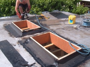 Sealing skylights