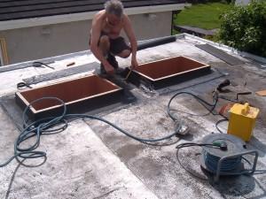 Resealing skylights
