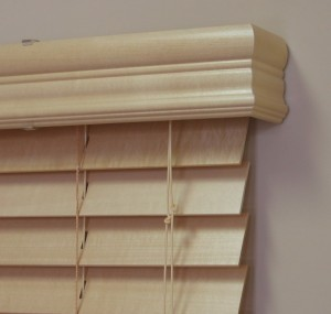 Cleaning wood blinds