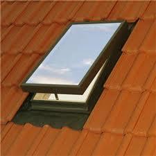 Lernen sie, ein dachfenster zu beheben