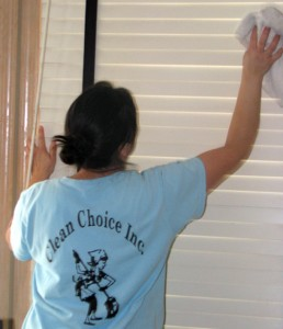 How to clean blinds the most efficient way