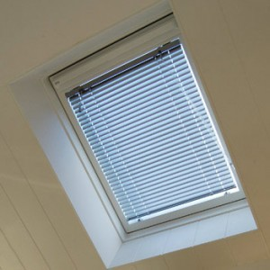 Blinds for skylight windows